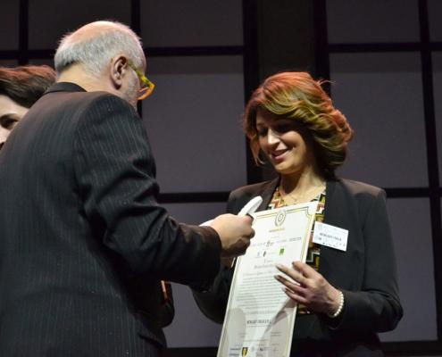 Valeria Carlone riceve il premio di Newlast come Miglior Impresa