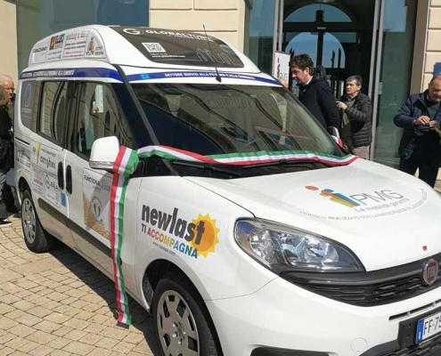 Inaugurazione Fiat Doblò con SInaugurazione Fiat Doblò con Sponsor Newlastponsor Newlast