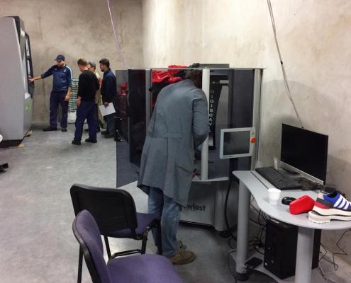 Formificio Beta Suelas con macchine per la lavorazione della forma Newlast